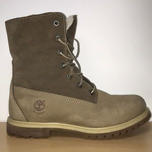 TIMBERLAND boots. Size 8.5 woman's